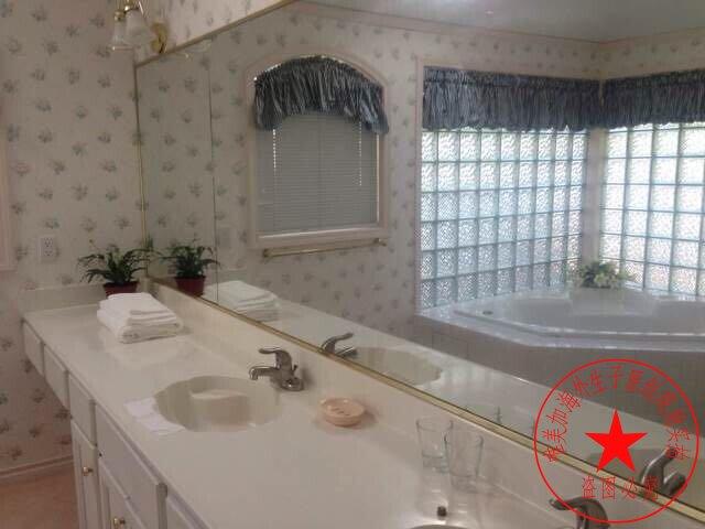 温哥华生子中心浴室梳洗台